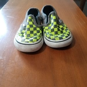 Boy toddlers Van's off the wall tennis shoes